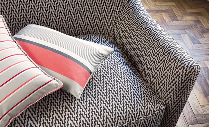 tapissier d corateur les tissus indus. Black Bedroom Furniture Sets. Home Design Ideas